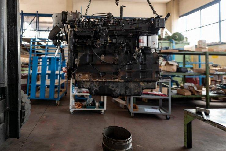 Rimozione olio motore