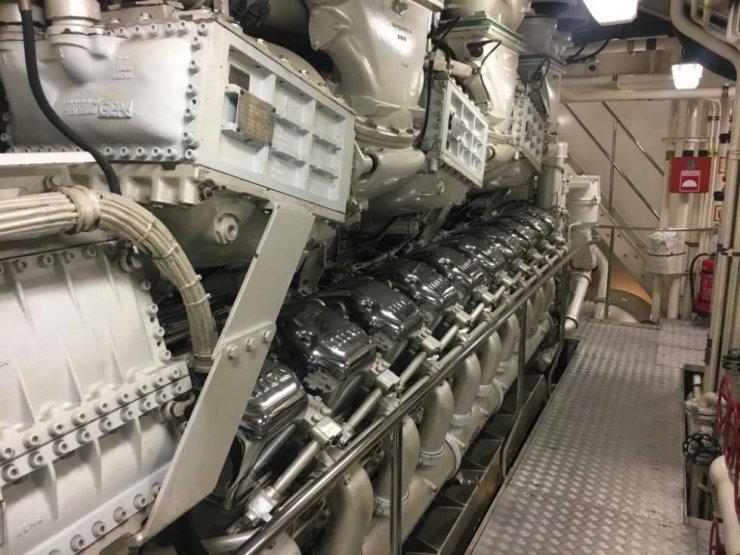 Manutenzione motore mtu sullo yacht Carinzia VII